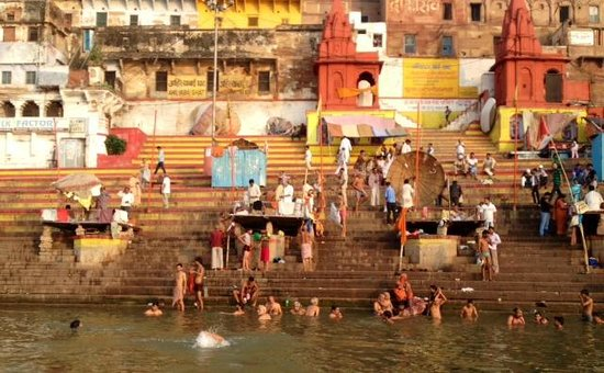 Ganges River: morning bathers in The Ganges