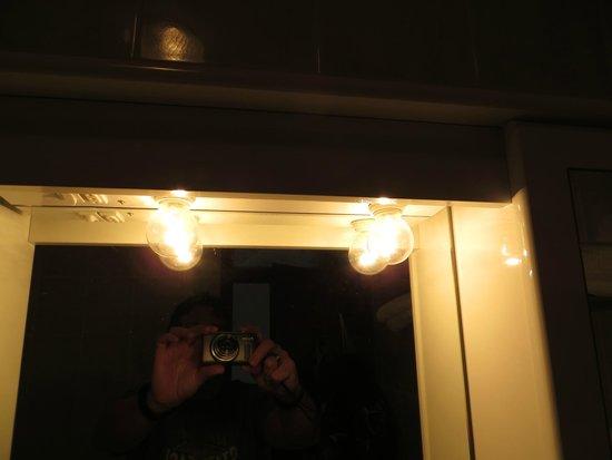 Hotel Lucija: Gefährliche Glühbirnen