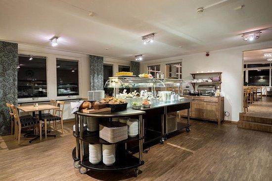 Hotel Tegnerlunden: Breakfast buffet