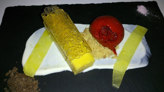 The Stunned Mullet: Passionfruit curd tart coconut lime yoghurt, raspberry sorbet, pop rocks, compressed pineapple