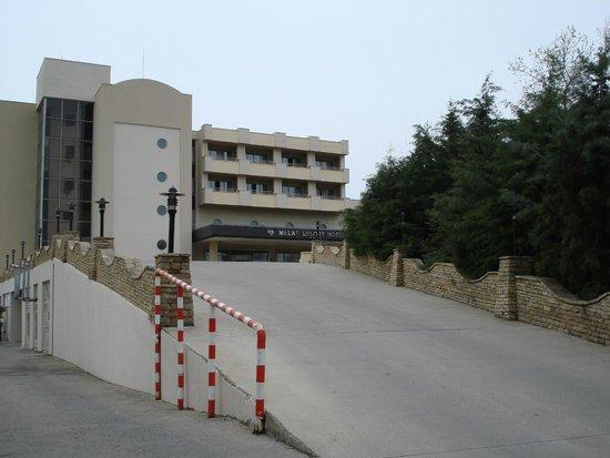 Melas Resort Hotel: Фасад