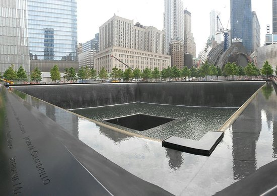 The National 9/11 Memorial & Museum: Le vasche