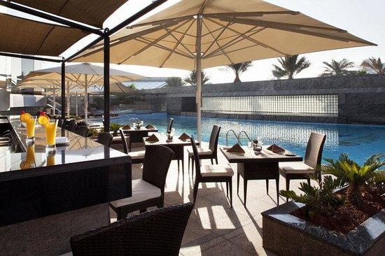Jumeirah Emirates Towers Pool Bar