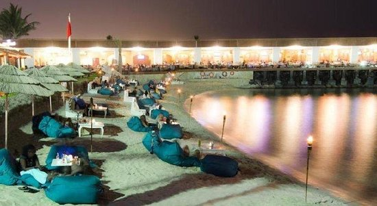Dubai Marine Beach Resort and Spa: Exterior