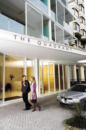 The Quadrant Hotel and Suites Auckland: Exterior