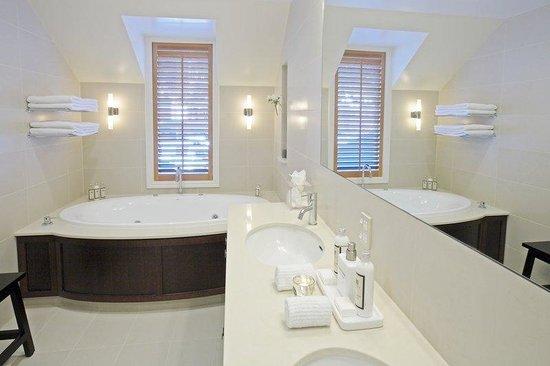 Eichardt's Private Hotel: Apartment Bathroom