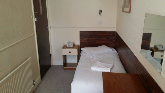 Mowbray Court Hotel : Colleagues room