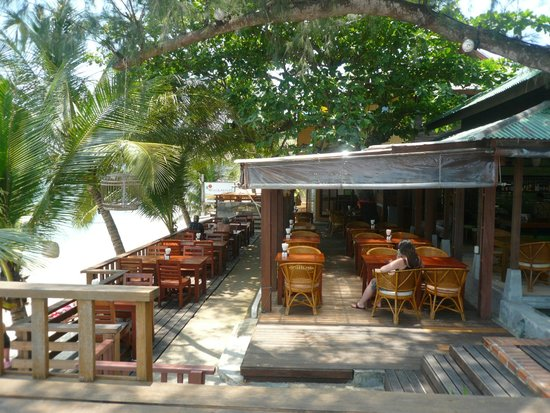 World Resort Bungalow: Ресторан при отеле