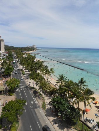 Aston Waikiki Beachside Hotel: View from balcony