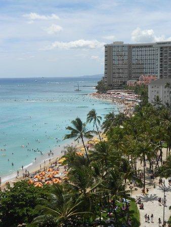 Aston Waikiki Beachside Hotel : View from balcony