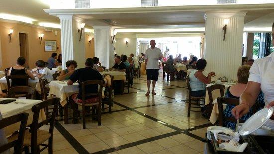 Castello Village Resort: Speisesaal