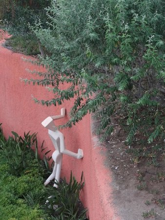 Voyage Belek Golf & Spa: one of the many weird sculptures around the complex, but loved them!