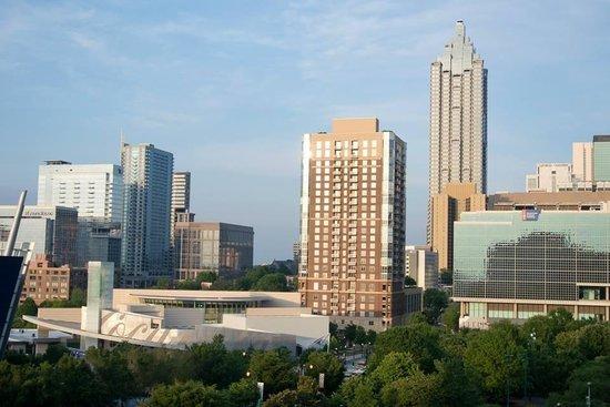 Hilton Garden Inn Atlanta Downtown: View from pool deck