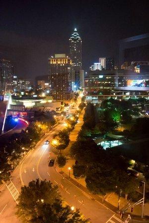 Hilton Garden Inn Atlanta Downtown: Night view from room.