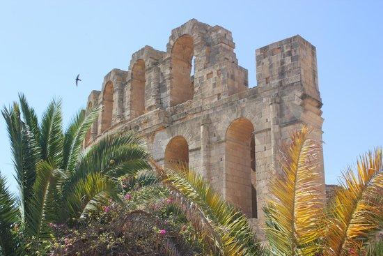 El Jem Amphitheatre : колизей