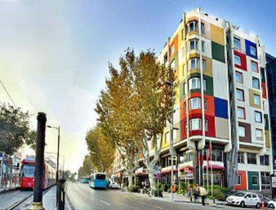 Ramada Istanbul Old City: Exterior