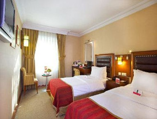 Ramada Istanbul Old City: 2 Twin Bed Room