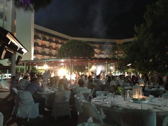 Club Med Palmiye: ultimate white evening