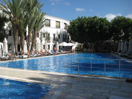 Marina Vista Bodrum: Ved den dejlige rolige pool