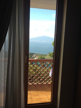Il Nido Hotel Sorrento : view of vesuvius from room