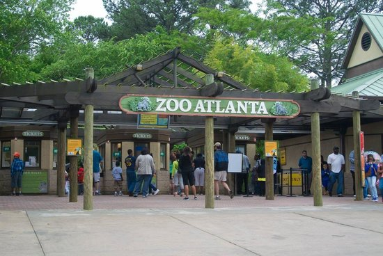 Zoo Atlanta : Enterance off Boulevard SE