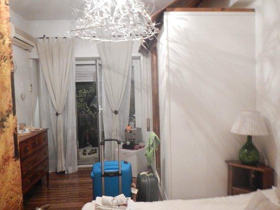 Le Fate Apartments: Rione Monti room