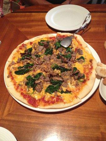 Giovanni's: pizza