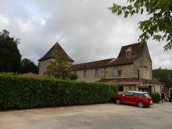Hôtel La Truite Dorée : Hôtel vu du parking