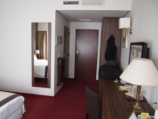 Golden Tulip De' Medici Hotel : Zimmer Eingangsbereich