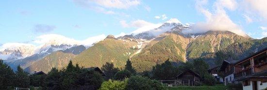 Hotel du Bois: Vue du Mont Blanc depuis l'hôtel
