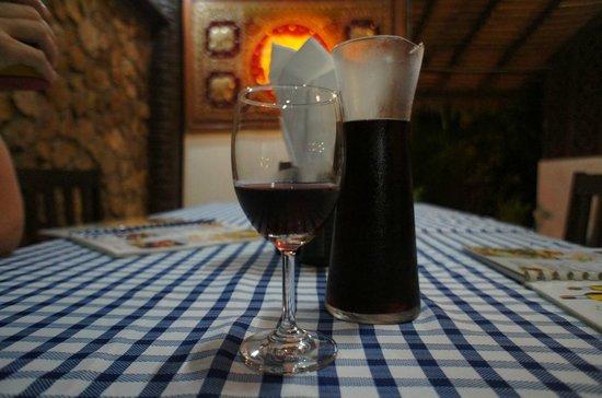 Fi Kitchen & Bar: Вкусное легкое вино