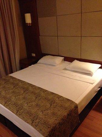 Julian Forest Suites : bed