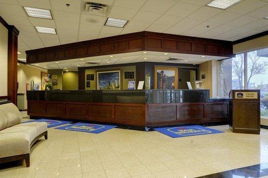 Best Western Plus Chicago Hillside : Lobby