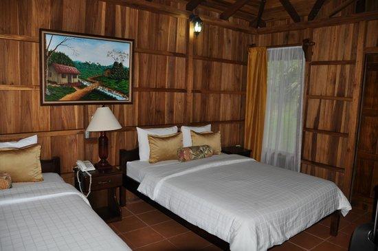 Hotel Lomas del Volcan: Unsere Cabana