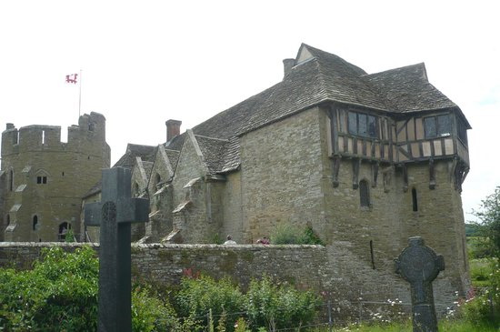 Stokesay Castle: Room with a view!