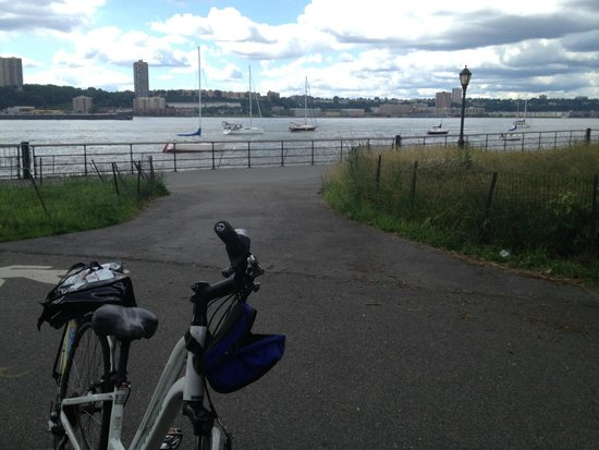 Bike and Roll NYC: Hudson River