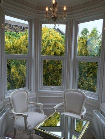 Rosebery Hotel Jesmond: Windows