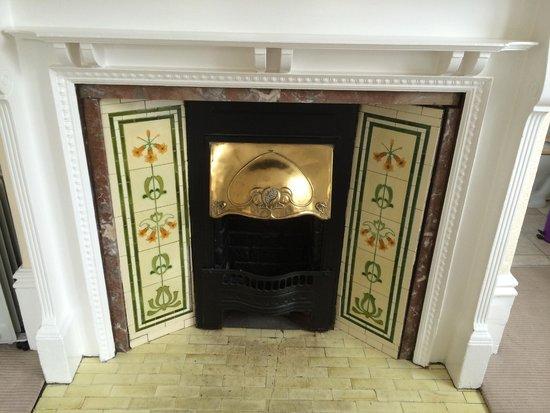 Rosebery Hotel Jesmond: Fireplace