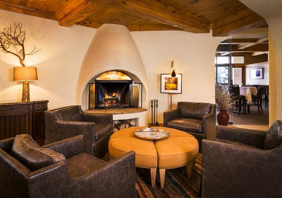 The Pines Lodge, A RockResort: Lobby