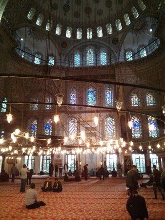 Mosquée Bleue (Sultan Ahmet Camii) : Inside the Blue Mosque