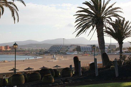 Geranios Suites & Spa: Hotel_Vista desde la playa