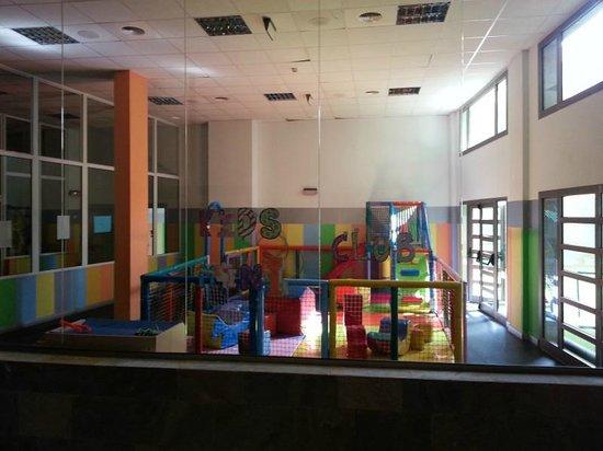Geranios Suites & Spa: Zona infantil