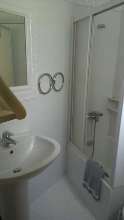 Acropolis View Hotel: Ванная комната в номере