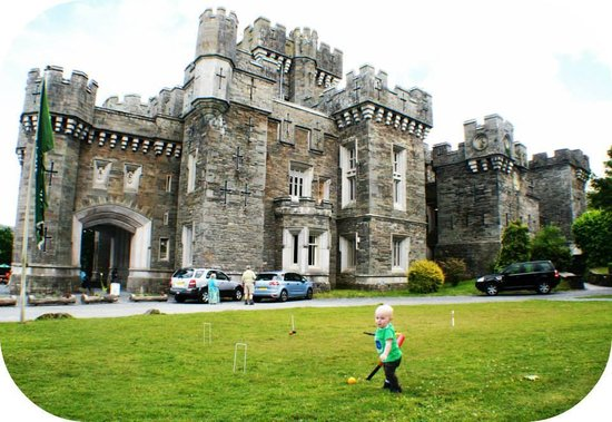 Low Wray National Trust Campsite: My son at low wray castle