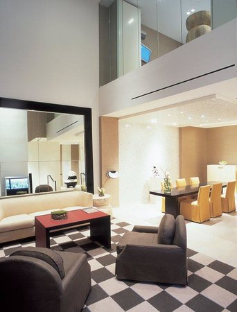 Skylofts at MGM Grand: Downstairs living and dining areas