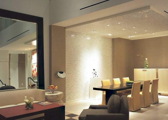 Skylofts at MGM Grand: Downstairs living and dining areas (standard)