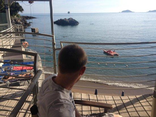 Hotel Il Nido: beach bar view