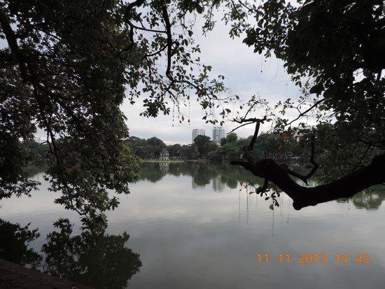 Lake of the Restored Sword (Hoan Kiem Lake): Hoan Kiem Lake