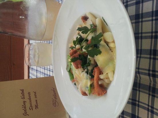 Hotel Liptovsky Dvor: delicous salad with homemade  lemonade