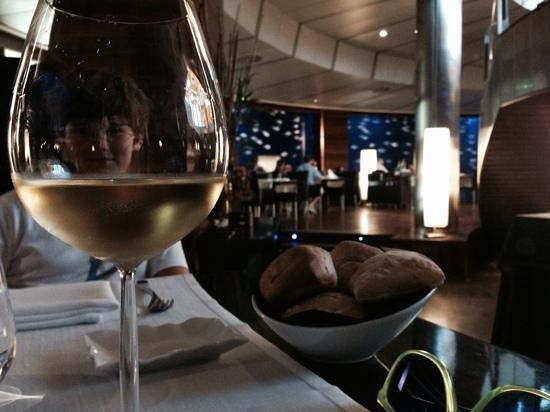 Submarino Restaurant : vin servi au verre